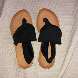 Dirty laundry 7.5 sandals